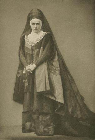Julia Arthur as Lady Anne