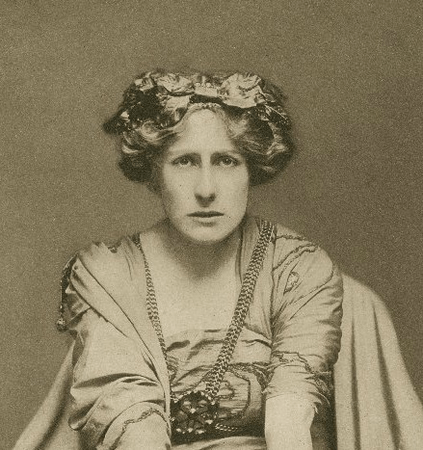 Nancy Price as Calphurnia