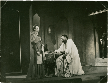 Paul Robeson and unnamed actress in Othello