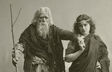 Julia Marlowe as Cordelia and E. H. Sothern as King Lear