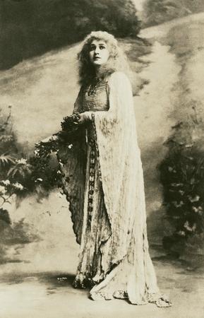 Julia Arthur as Ophelia