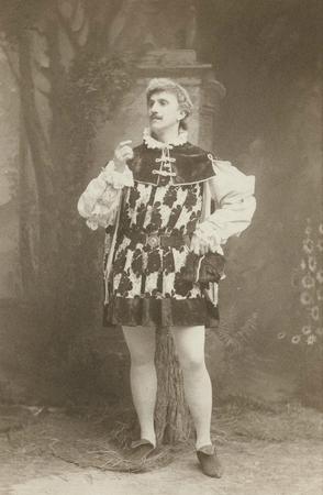 Joseph Holland as Hortensio