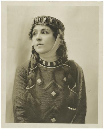 Viola Allen as Lady Macbeth